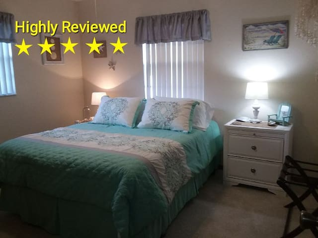 1 or 2 BEDROOMS W/CONTINENTAL BREAKFAST