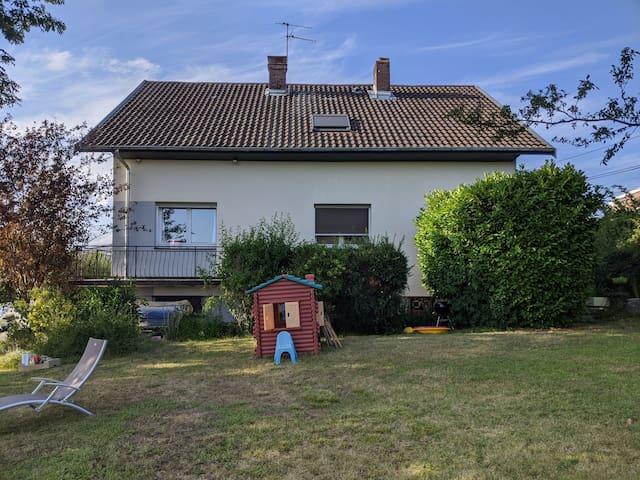 Grande maison proche centre ville Besançon