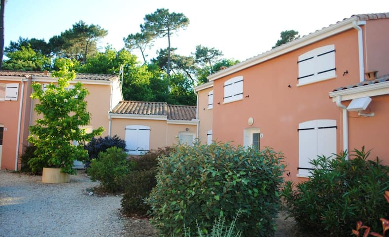 House with 3 bedrooms in La Tremblade, with enclosed garden and WiFi