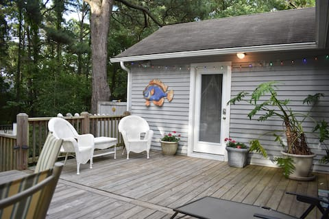 BB's Bungalow -Private Bed/Bath & Private Entrance