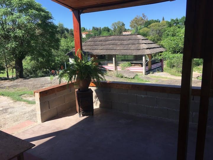 Cabaña con vista al arroyo 1 en Tanti