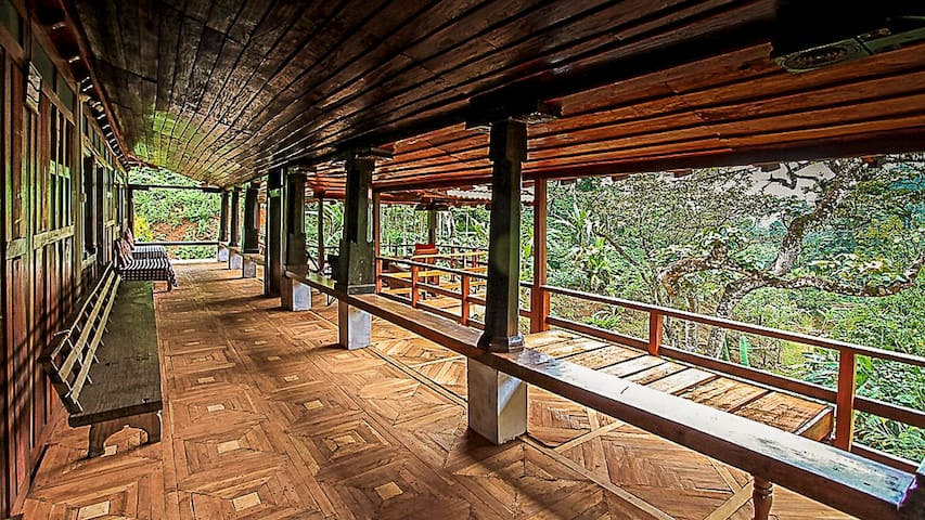 Keemalekad Log Cottage, Coorg (Private Room)