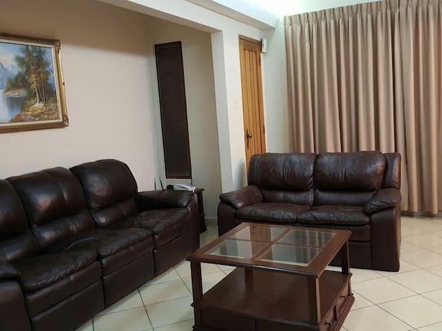 Apto. De 3 dormitorios con parqueo - Cochabamba - Apartamento