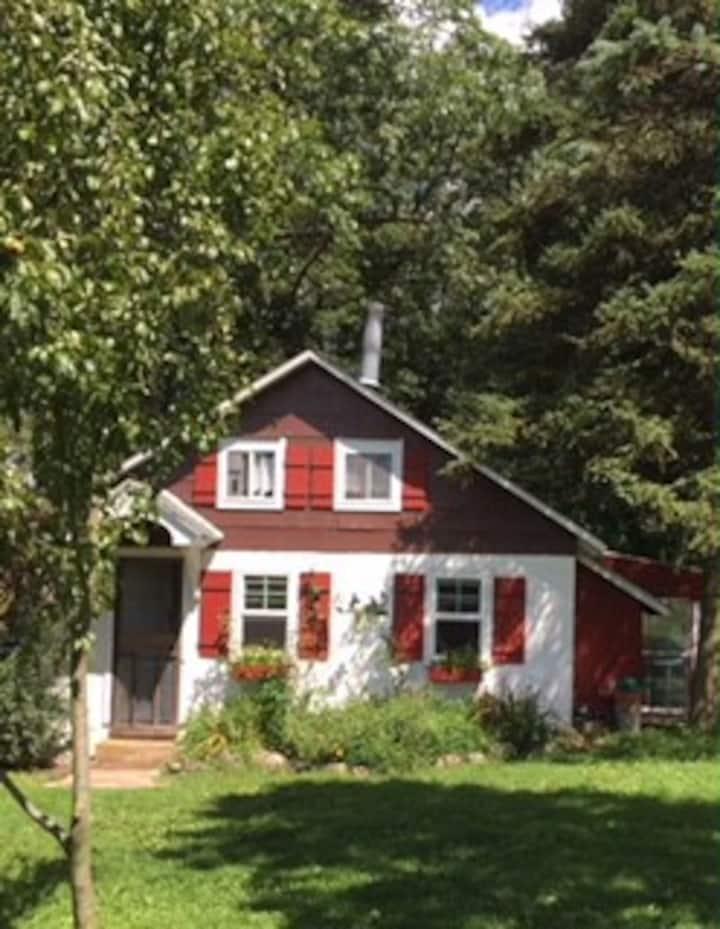 Rustic Farm Cottage/Blacksmith shop