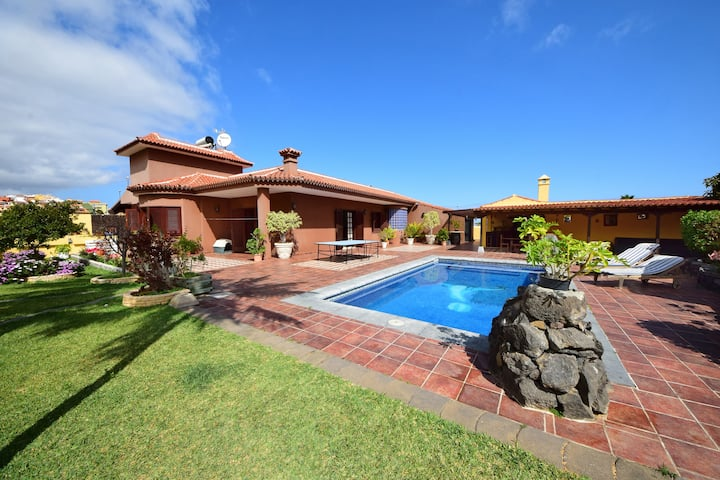 Villa Alina - canarian house with private pool