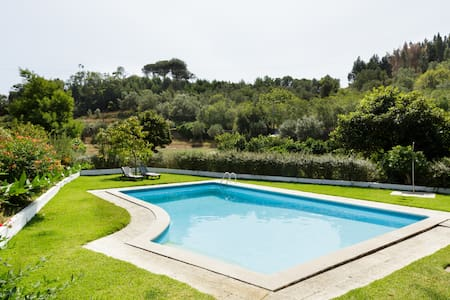 Garden Paradise with Guest House near Sintra