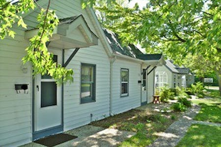 Lakeview Cottages Resort SLEEPS up to 40! - Ludington