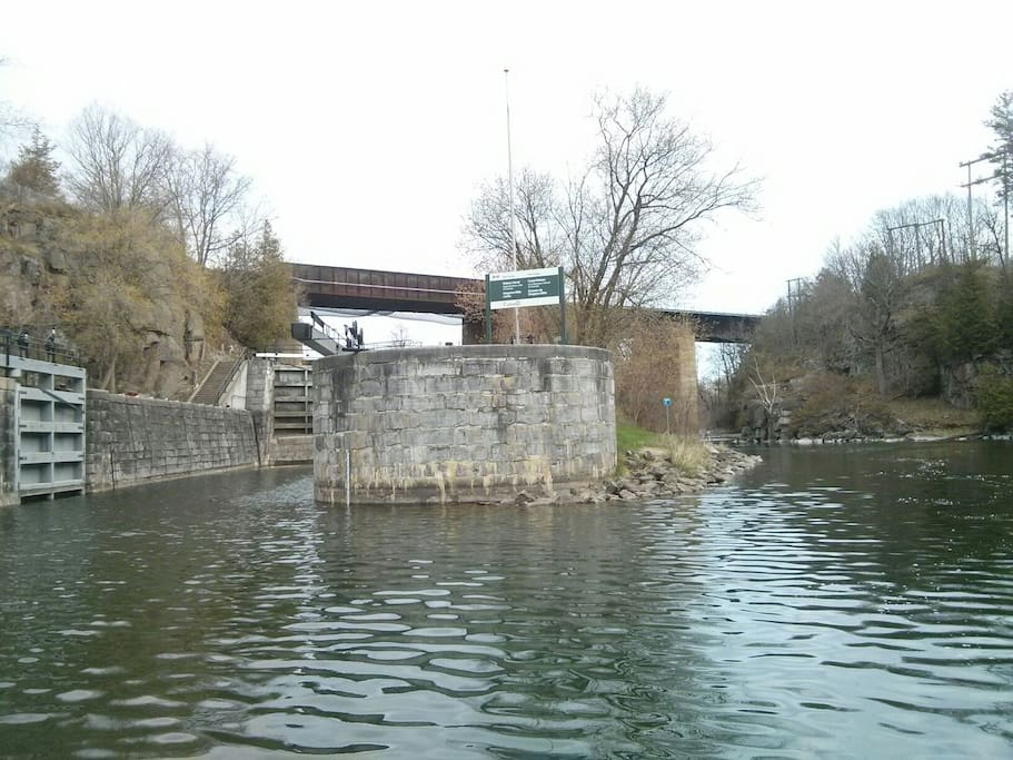 Kingston Mills Road locks down the river