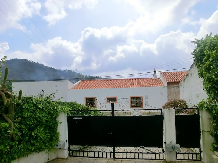 Apartment with one bedroom in Monchique, with shared pool, enclosed garden and WiFi - 15 km from the beach