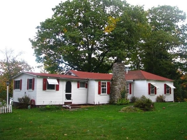 The cottage...sitting pretty since 1920.