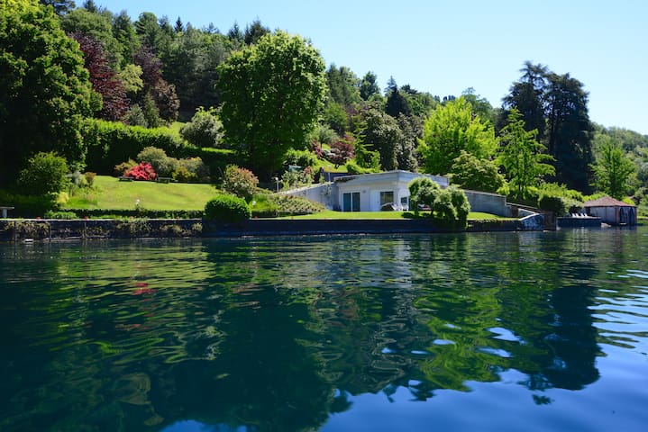 VILLA VOLPE directly on Orta, stunning location - Orta San Giulio
