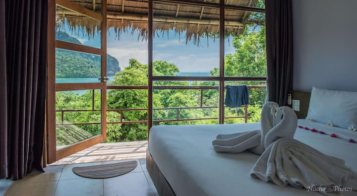 Exotic Seaview Bungalow on Phi Phi