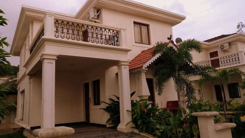 3 BR Deluxe Villa with Garden View at Goa, No 14 - Aradi Socorro - Vila