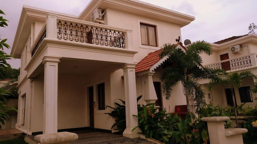 3 BR Deluxe Villa with Garden View at Goa, No 14 - Aradi Socorro - Villa