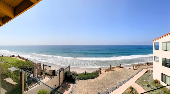 Sea + Sol - Oceanfront Condo, Beach Gear, Parking