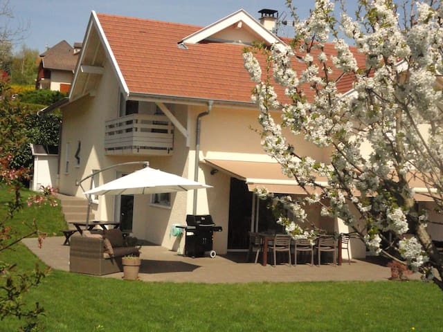 Annecy-Gorges du Fier-château - Lovagny - Hus