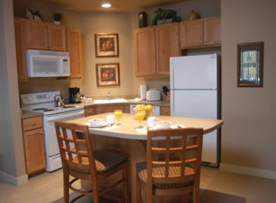 dining area/fully equipped kitchen