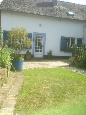Idyllic and tranquil. Secure small garden suitable for dogs