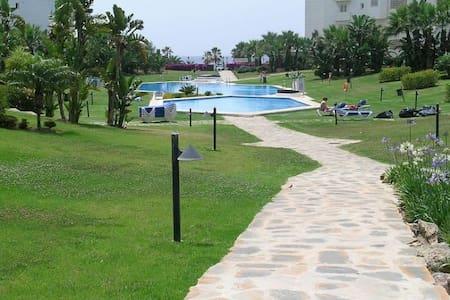 1ª Línea de playa en Pto. Banús - Marbella