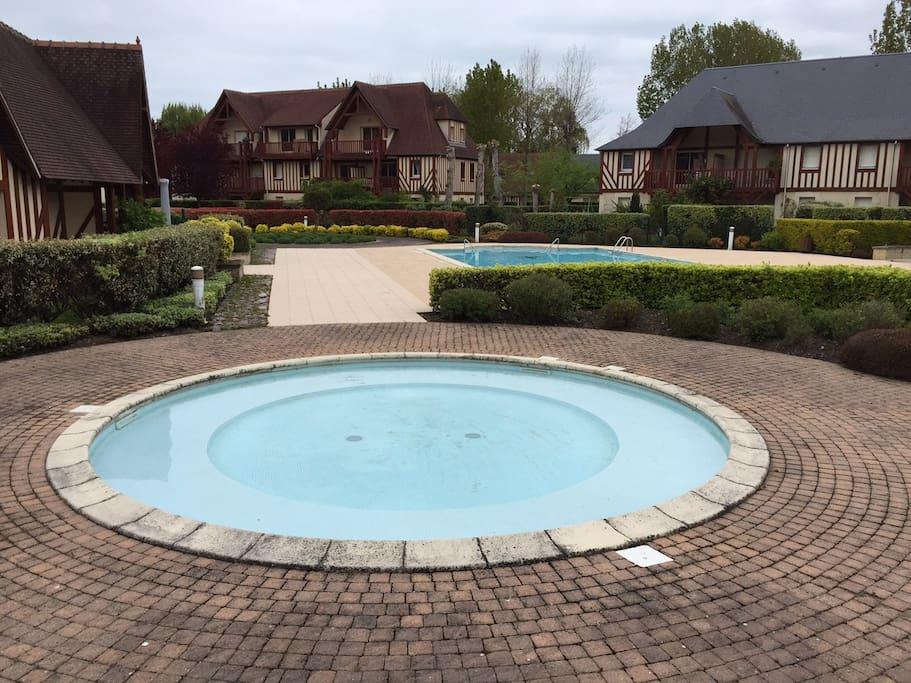 3 pi ces deauville piscine tennis appartements louer for Piscine spa deauville