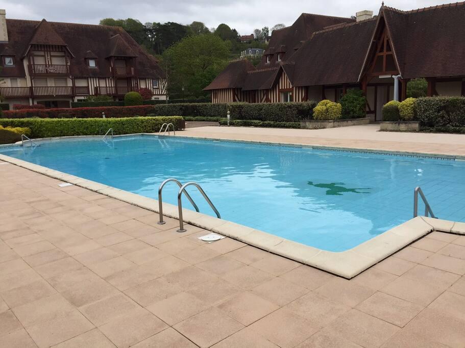 3 pi ces deauville piscine tennis appartements louer for Piscine deauville spa