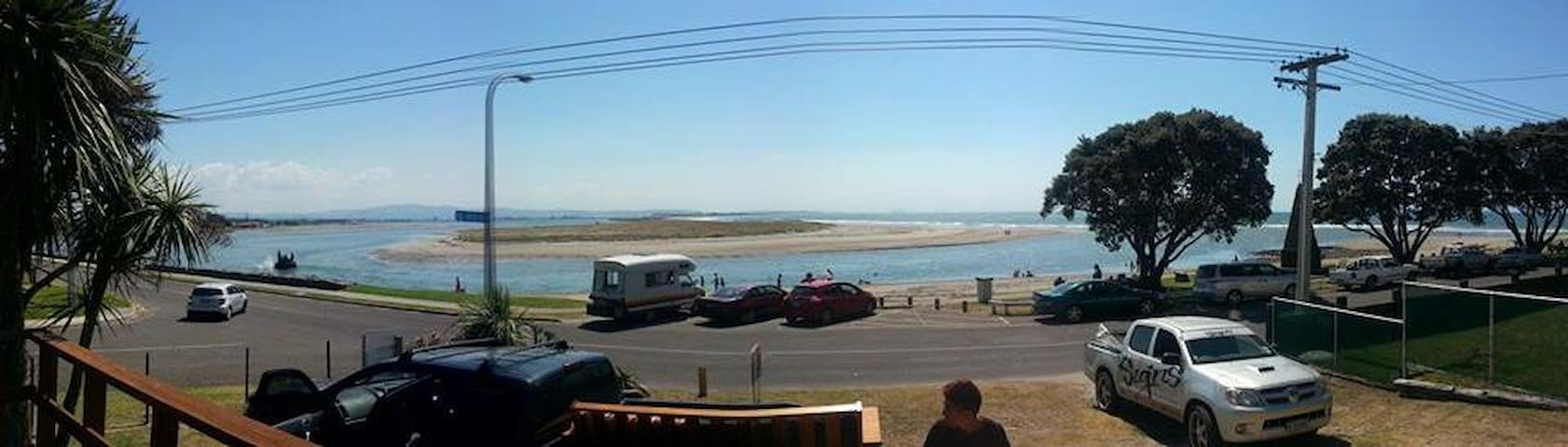 Beach front kiwi bach - Maketu - Hus