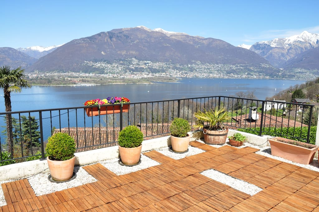 Terrace with view to lake, mountain and Locarno