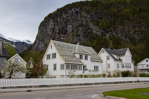 Prestegårdskjeller m/2 soverom og kjøkken