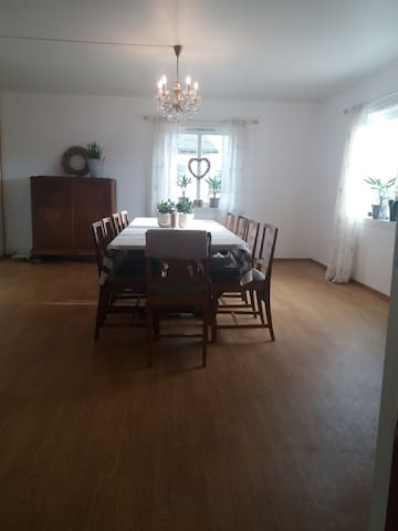 Stort Gårdshus i Bøvågen