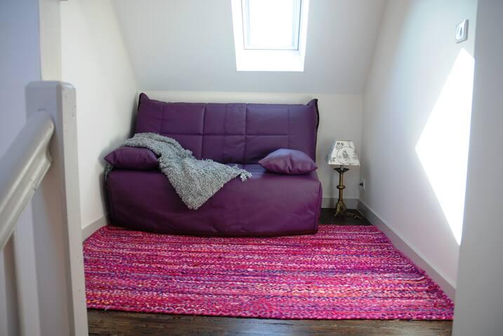 Alcôve avec lit convertible 140 (chambre 4)