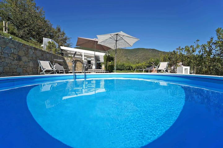 Villa Costa 5 Pax Private Pool & Jacuzzi  5 Terre
