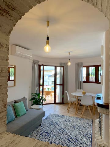 Charming apartment walking distance to beach