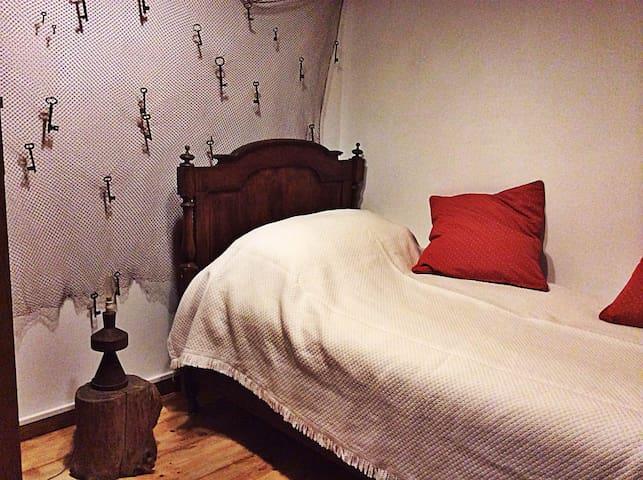 """Robinson Crusoe"" room"
