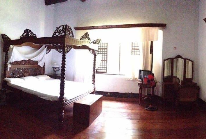 Vigan Villa Angela Heritage Cuarto del Senor - Vigan City - Leilighet