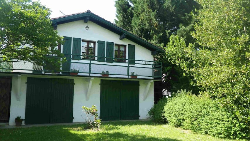 Etche Ttipia - Ossès - Hus