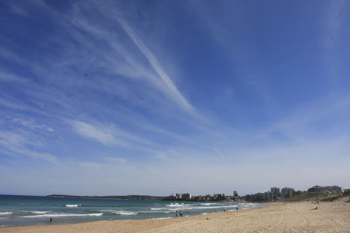 Wanda Beach - Blue