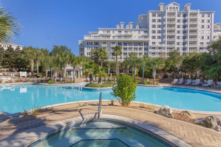 Cozy Condo w/ Balcony & Amazing Pool On Resort