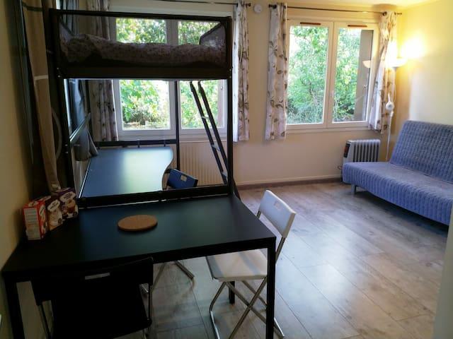 Studio indépendant 30 m2 entre Caen et la mer
