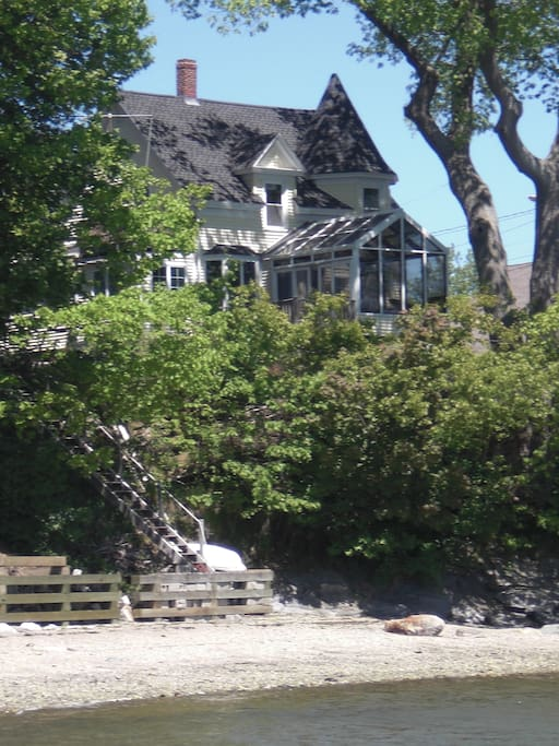 Pirate's Retreat and Beach