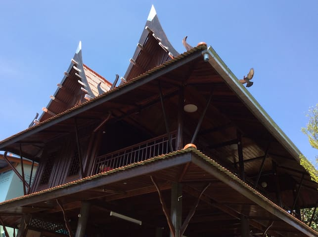 Riverside original Thai house. - Phetchaburi - House