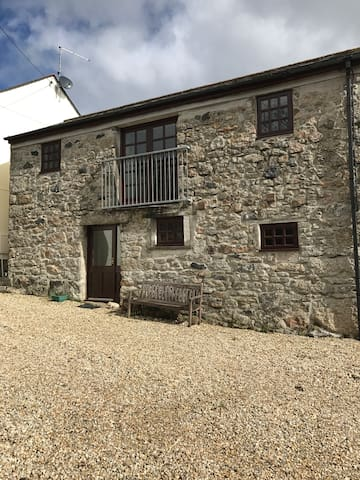Beautiful Cornish Cottage in a great location
