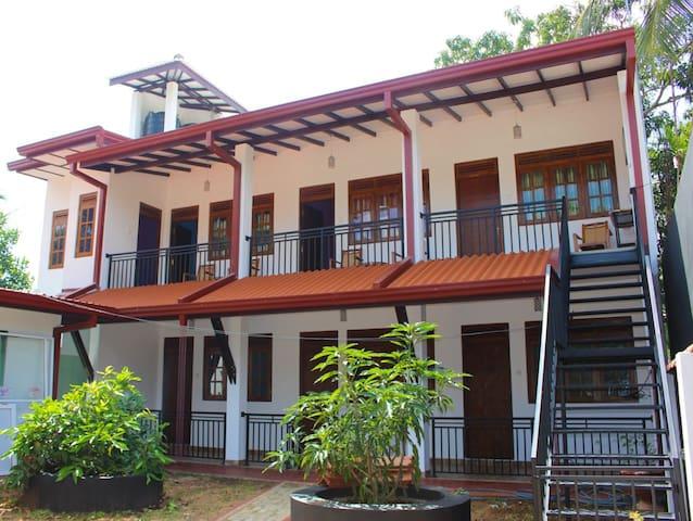 Isuru Guest Anuradhapura - Anuradhapura - Guesthouse