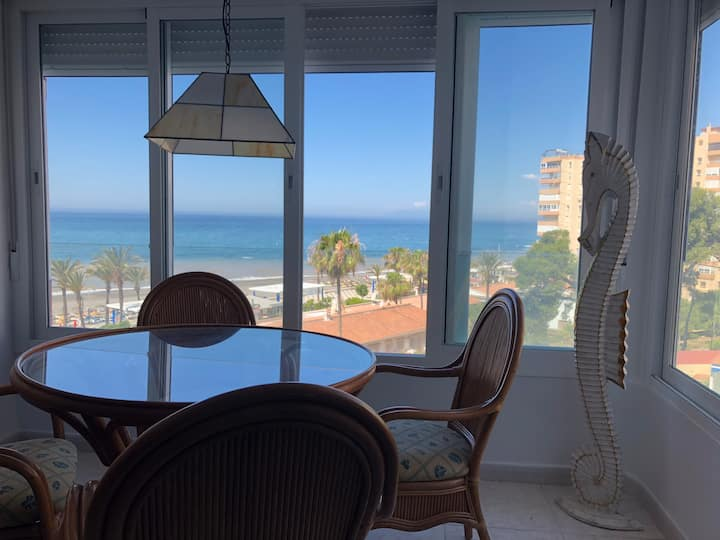 Fantastic appartment with sea views!