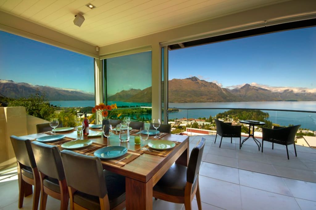 Queenstown Hill Villa  - Dining with a view