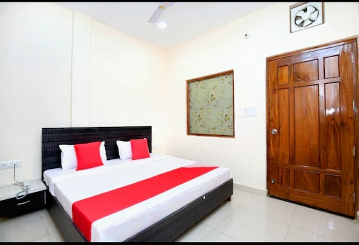 Swaran Cottage- a 2 minute walk from Golden Temple
