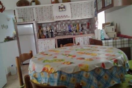Casa Caraddu nella campagna della Gallura