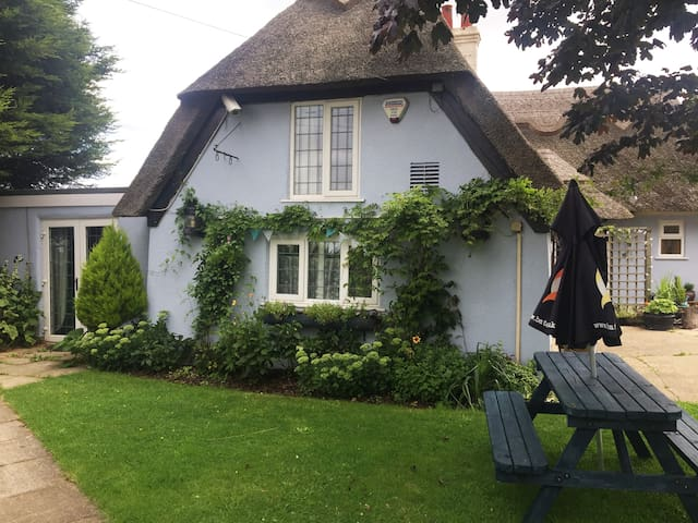 wisteria cottage at the kings head inn