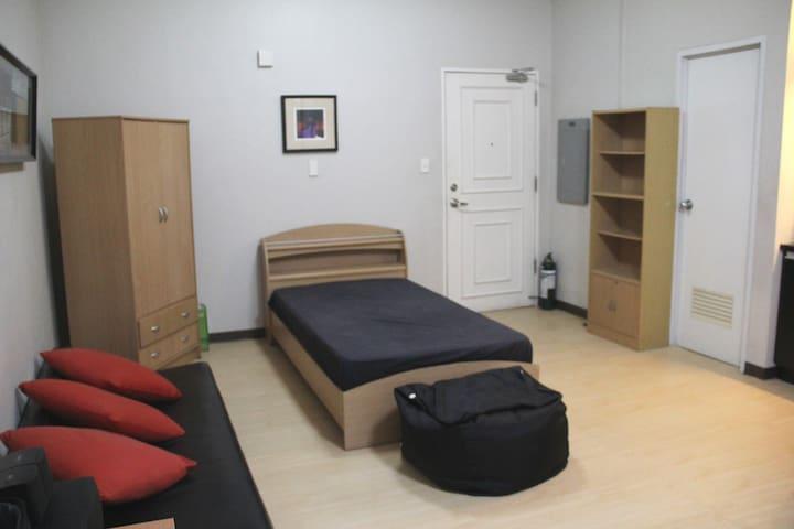 Studio Unit For Rent, Alabang - Muntinlupa - อพาร์ทเมนท์