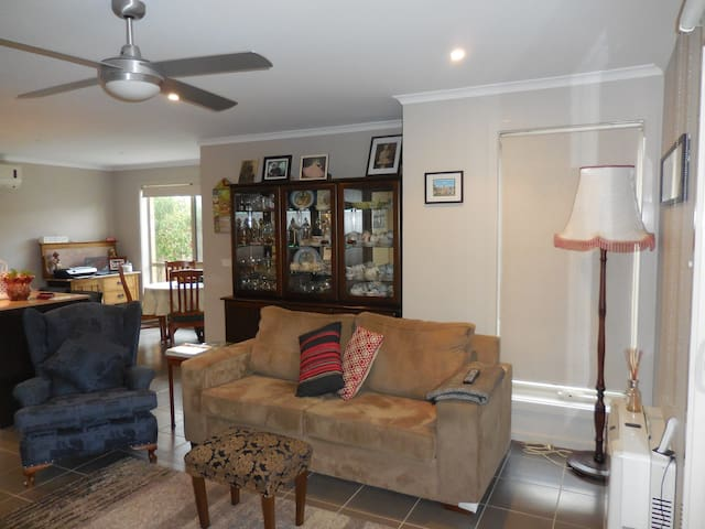 Easy living, comfortable lounge-dining areas.