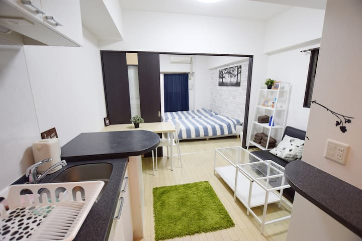 Walkable to Shinsaibashi! Stylish new apartment! - Chuo Ward, Osaka - Appartement